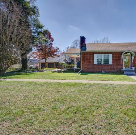 Rent this 3 bed house on 2831 West Walnut Street in Johnson City, TN 37604