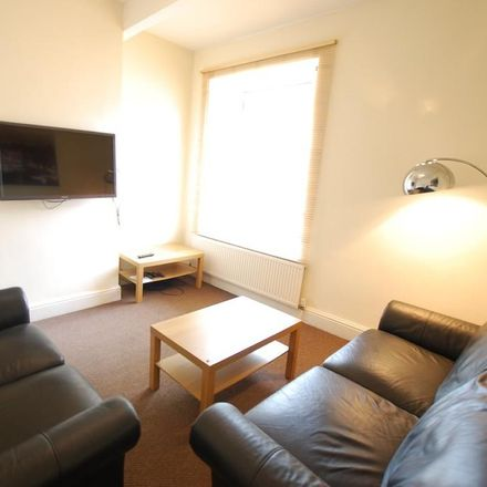Rent this 5 bed apartment on The Green House in Crookes, Sheffield S10 1TG