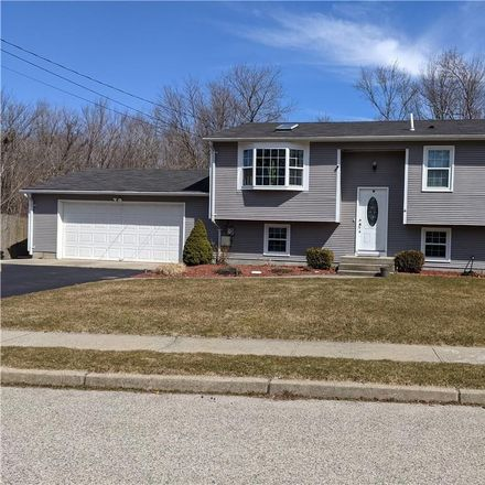 Rent this 3 bed house on 112 Polk Road in Warwick, RI 02889