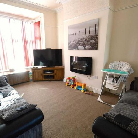 Rent this 3 bed house on Clifton Street in Hornsea HU18 1HU, United Kingdom