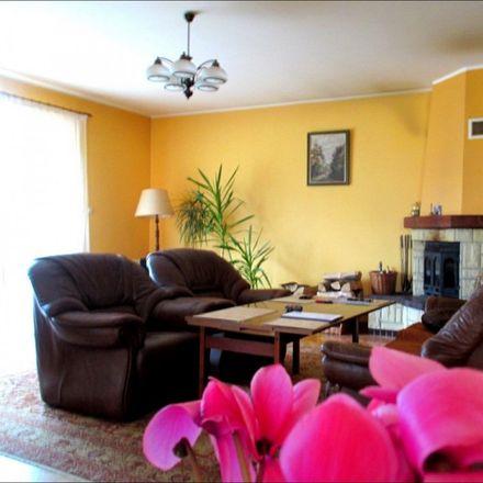 Rent this 6 bed house on Grunwaldzka in 84-230 Rumia, Poland