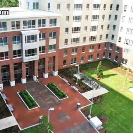 Rent this 4 bed apartment on Valentine Commons in Stanhope Avenue, Raleigh
