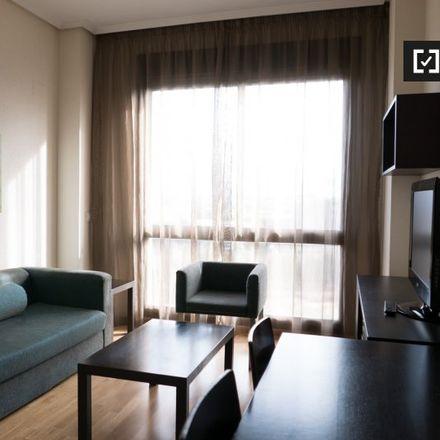 Rent this 2 bed apartment on Agencia Española de Medicamentos y Productos Sanitarios in Polígono Industrial Las Mercedes, Calle Zambrana