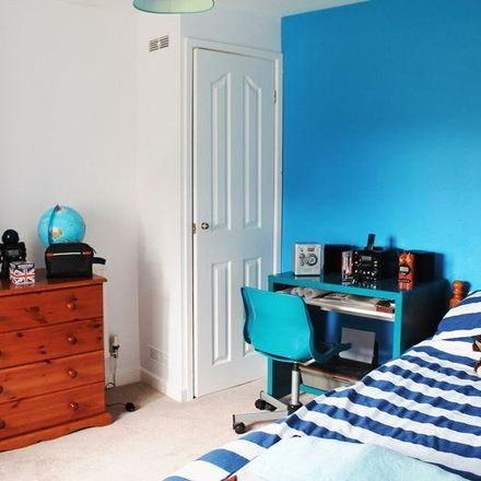Rent this 3 bed house on Newbridge Road in Llantrisant CF72 8EY, United Kingdom