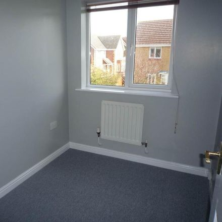 Rent this 4 bed house on Cilgant-Y-Meillion in Rhoose CF62 3LH, United Kingdom