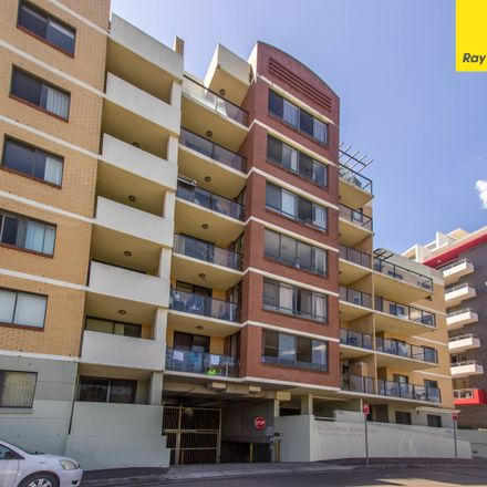 Rent this 2 bed apartment on 113/1 Clarence St