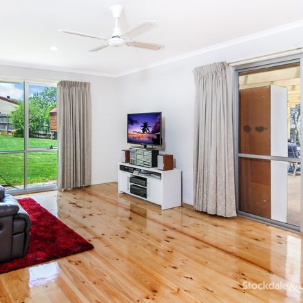 Rent this 4 bed house on 10 Catherine Place