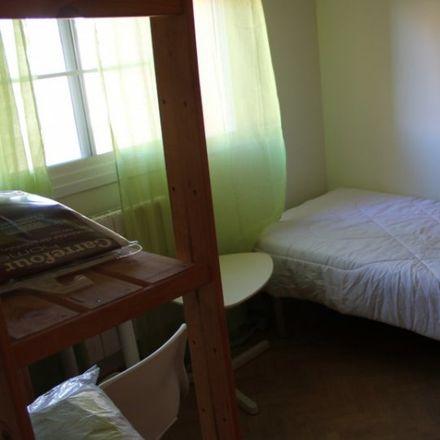 Rent this 8 bed apartment on Calle de Juan Ramón Jiménez in 28670 Villaviciosa de Odón, Spain