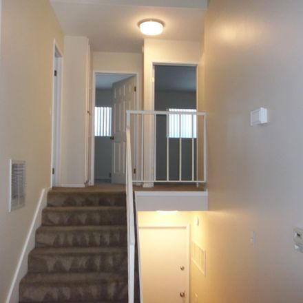 Rent this 2 bed townhouse on 1425 Ramona Drive in Thousand Oaks, CA 91320
