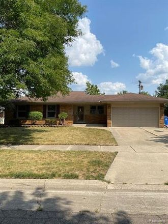 Rent this 3 bed house on 7256 Lucerne Street in Dearborn Heights, MI 48127
