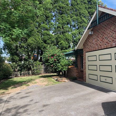 Rent this 3 bed house on 5/12 Martin Place