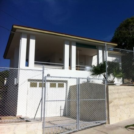 Rent this 2 bed house on Maeda in Avenida 13, Havana