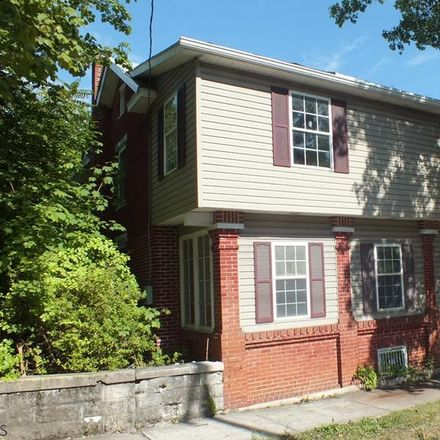 Rent this 3 bed house on N Spring St in Everett, PA