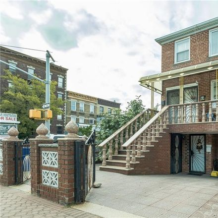 Rent this 8 bed townhouse on Bay Pkwy in Brooklyn, NY