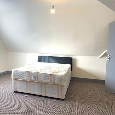 Rent this 1 bed room on Iceland Car Park in Eleanor Cross Road, Broxbourne EN8 7PQ