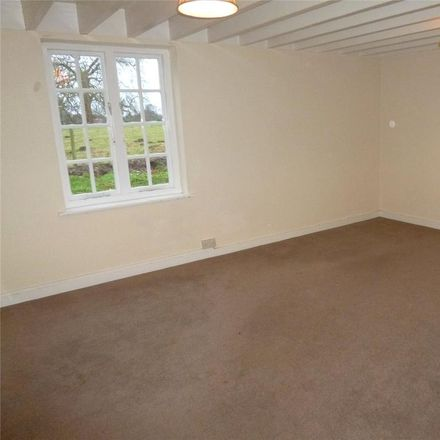 Rent this 3 bed house on Barnsley WV15 5HG