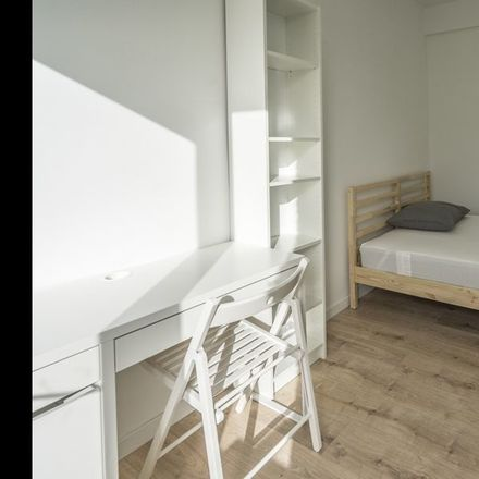 Rent this 3 bed room on Stadhoudersweg 97 in 3039 CK Rotterdam, Países Bajos