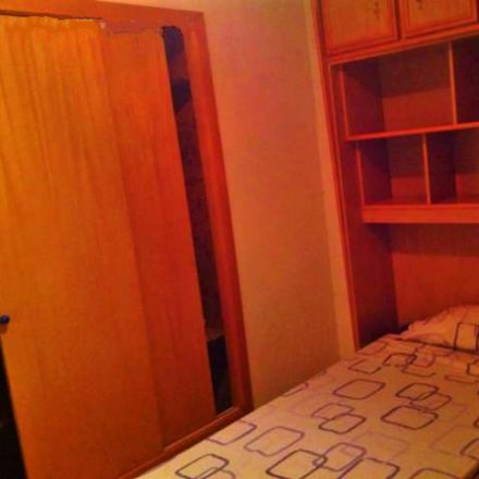 Rent this 3 bed room on Calle de la Coalición in 33, 28041 Madrid