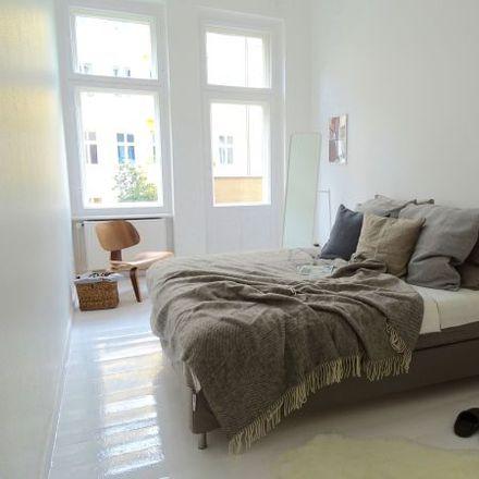 Rent this 3 bed apartment on Sprengelstraße 8 in 13353 Berlin, Germany