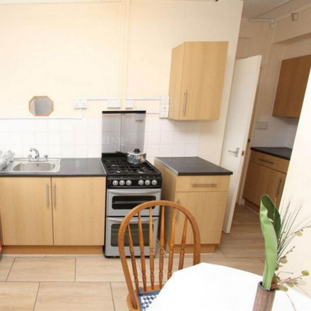 Rent this 5 bed room on Barkantine Hall in Mellish Street, London E14 8NP