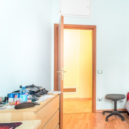 Rent this 3 bed apartment on Polo sanitario NSL in Viale dei Salesiani, 39