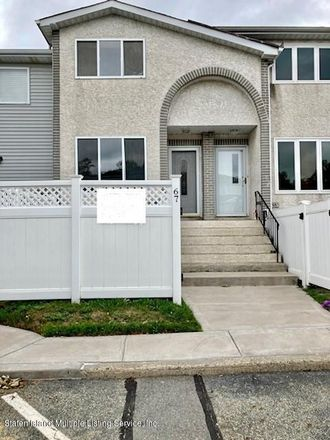 Rent this 2 bed townhouse on 67 Wildwood Lane in New York, NY 10307