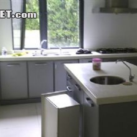 Rent this 5 bed house on East Yan'an Road in Baxianqiao, Huangpu District