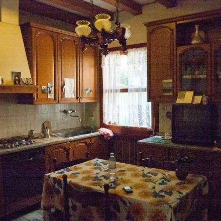 Rent this 2 bed room on Via dei Mandorli in 12, 30175 Venezia VE
