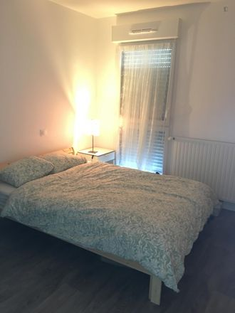 Rent this 1 bed apartment on Avenue Eugene Gouin in 37170 Tours, France