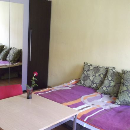 Rent this 3 bed room on Józefa Lompy in 50-307 Wrocław, Poland