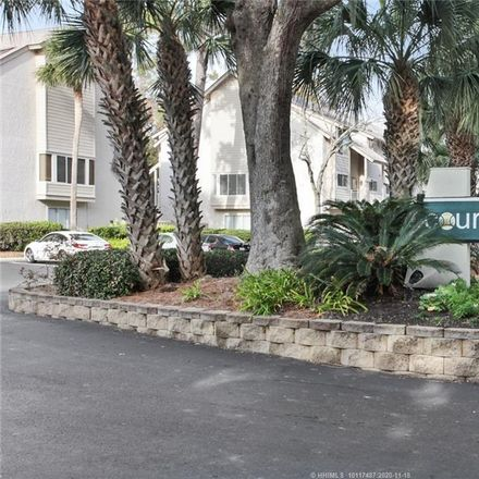 Rent this 3 bed apartment on Deallyon Ave in Hilton Head Island, SC