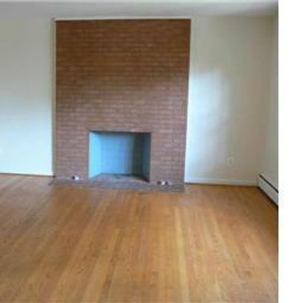 Rent this 4 bed house on Chestnut Street in Falls Church, VA 22046
