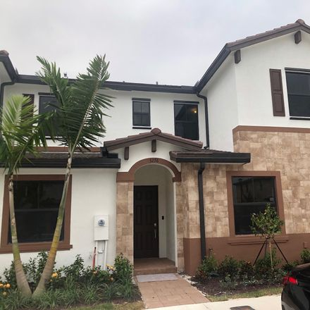 Rent this 3 bed townhouse on 3276 W 106th Terrace in Hialeah, FL 33018