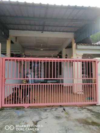 Rent this 3 bed apartment on Hang Tuah Jaya Municipal Council in 75450, Malacca