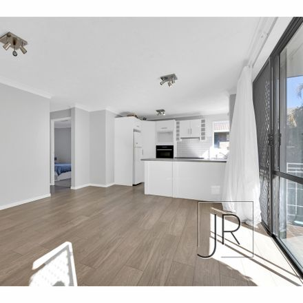 Rent this 2 bed apartment on 4/16 Brighton Street