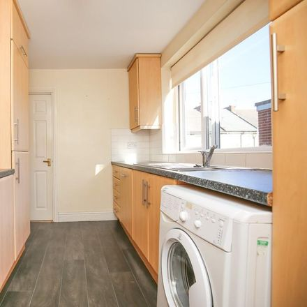 Rent this 5 bed apartment on Morrisons Car Park in South View West, Newcastle upon Tyne NE6 5PP