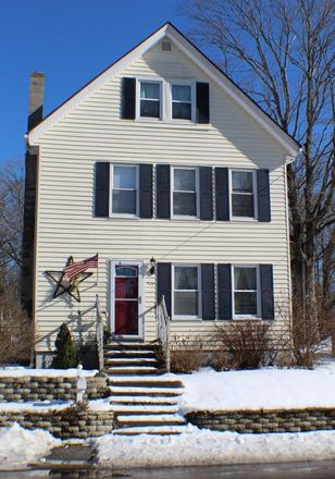 Rent this 3 bed house on 939 Mount Hope Street in North Attleborough, MA 02760