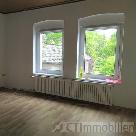Rent this 2 bed apartment on Leuthenstraße 80 in 46149 Sterkrade, Germany