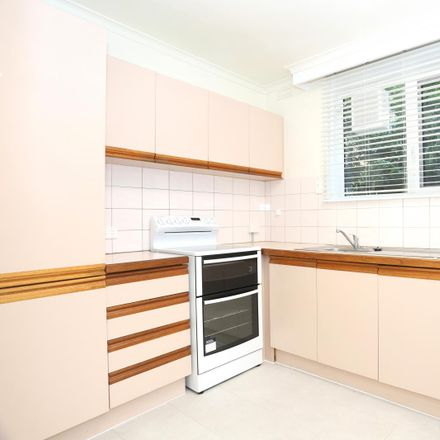Rent this 2 bed apartment on 2/27 Hanover St