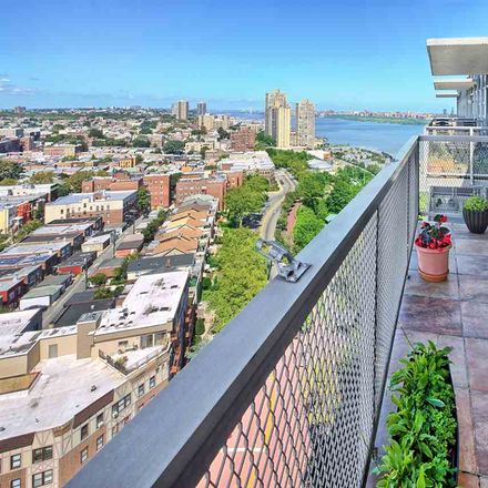 Rent this 1 bed condo on Boulevard E in North Bergen, NJ