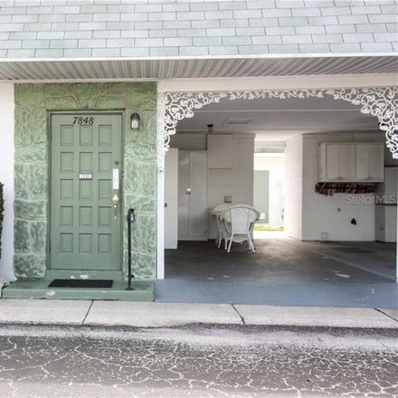 Rent this 1 bed condo on 39th Ave N in Saint Petersburg, FL
