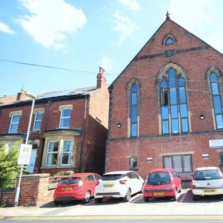 Rent this 5 bed apartment on MOG's in 55 Kirkstall Lane, Leeds LS5 3BE