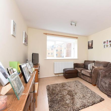 Rent this 2 bed apartment on Ascot Court in Rushmoor GU11 1HE, United Kingdom