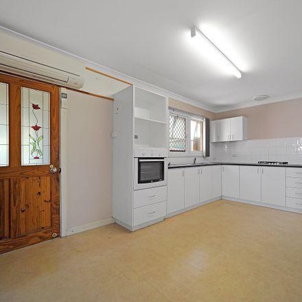 Rent this 3 bed duplex on 39A Preston Way