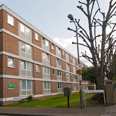 Rent this 3 bed room on 37 Evenwood Close in London SW15 2DA, United Kingdom