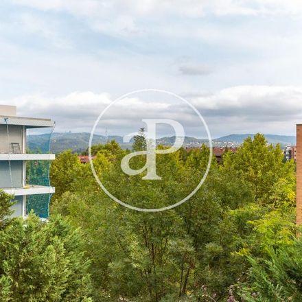 Rent this 2 bed apartment on La caixa del ritmes(vinyl shop) in Avinguda de Rius i Taulet, 120 o 122