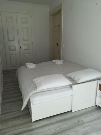 Rent this 3 bed room on Rua de Santo António dos Capuchos in 1150-225 Lisbon, Portugal