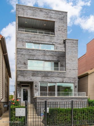 Rent this 4 bed condo on 1414 West Grand Avenue in Chicago, IL 60661