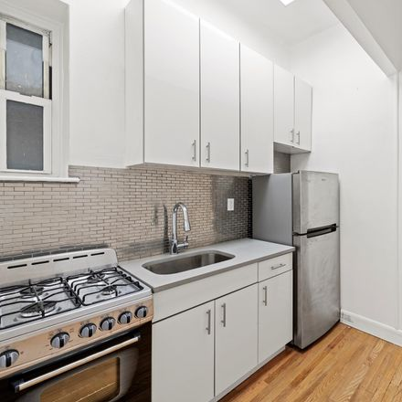 Rent this 1 bed condo on E 89 St in New York, NY