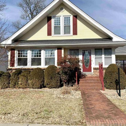 Rent this 4 bed house on East Thorn Street in Marion, IL 62959